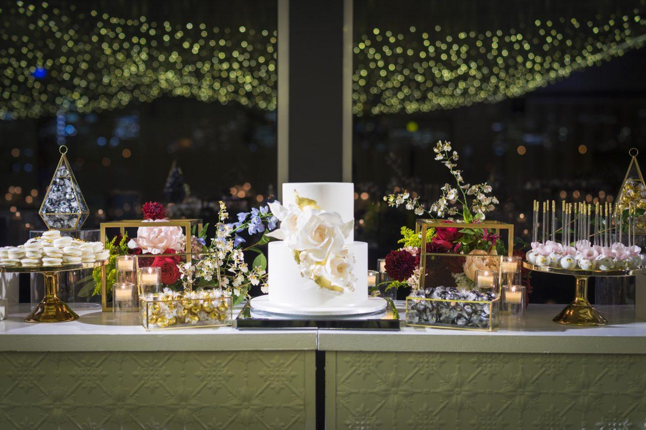 Wedding cake styling
